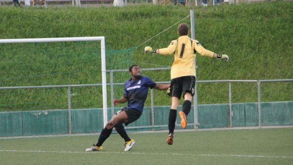 L'Olivella marca a vuit minuts per al final i provoca la segona derrota seguida del Junior