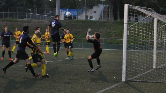 El Junior s'imposa gràcies a la pilota aturada davant el Torrelles a casa