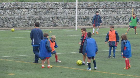 La Penya i l'Àgora acorden fer un campus de futbol aquest estiu