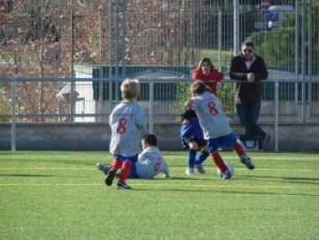 L'escola de futbol de la Penya Blaugrana Sant Cugat obre inscripcions amb el sostre als 100 nens