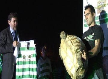 El Mira-sol Baco descobreix la seva mascota en la presentació dels equips de l'entitat