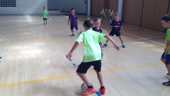 Un total de 17 equips participen en el torneig 3x3 de futbol sala de Festa Major de la Floresta