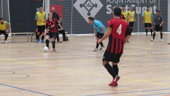 El Futbol Sala Sant Cugat planta cara davant el Montcada, però cedeix en el segon temps