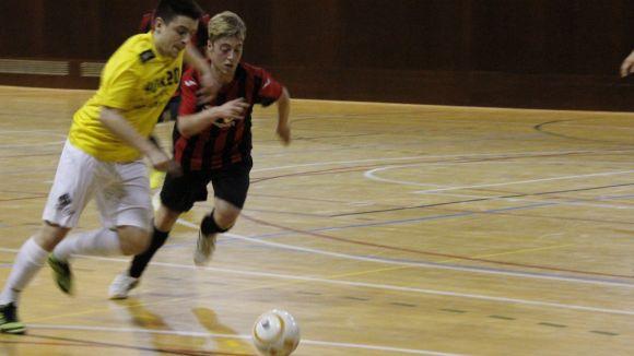 El Futbol Sala Sant Cugat cau àmpliament davant l'Isur i suma quatre jornades sense guanyar