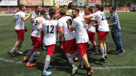 El Sant Cugat FC culmina el somni i assegura la permanència a Primera Catalana al camp del Júpiter
