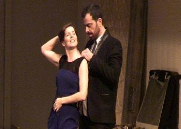 'Hedda Gabler' desconcerta el públic del Teatre-Auditori amb un muntatge que trasllada el clàssic a l'actualitat