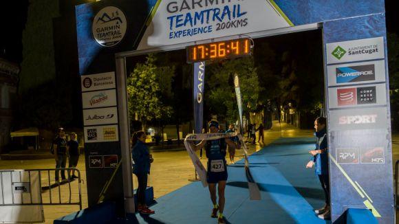 Moment de l'arribada de l'equip guanyador, el Finisher / Font: Garmin Trail
