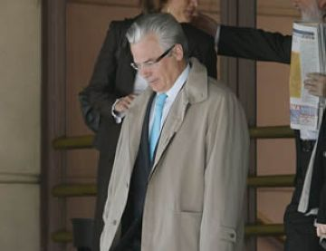 Acord per donar suport a investigar els crims del franquisme, tot i el rebuig del govern a la figura de Garzón