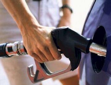 Els santcugatencs es mostren preocupats davant l'encariment de la gasolina