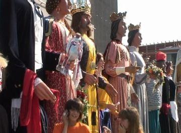 Una vintena de gegants han omplert Sant Cugat de música i ball en la 24a Trobada Gegantera