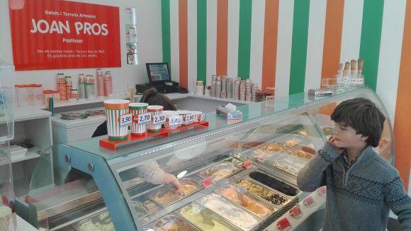 Les gelateries Pros comencen el relleu generacional amb la jubilació del propietari