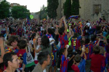Pantalla gegant de Cugat.cat per veure el Barça-Manchester a la plaça d'Octavià