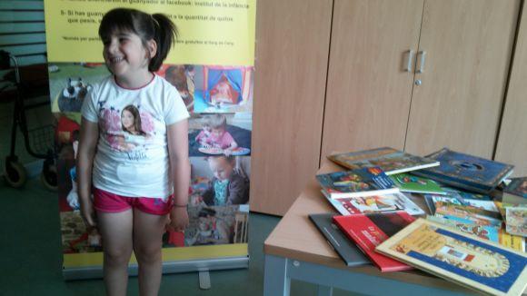 La santcugatenca Georgina Gorch guanya el seu pes en llibres
