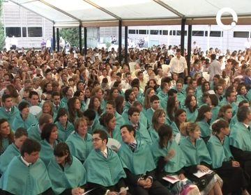 La facultat d'odontologia de la UIC ret homenatge als 200 alumnes graduats