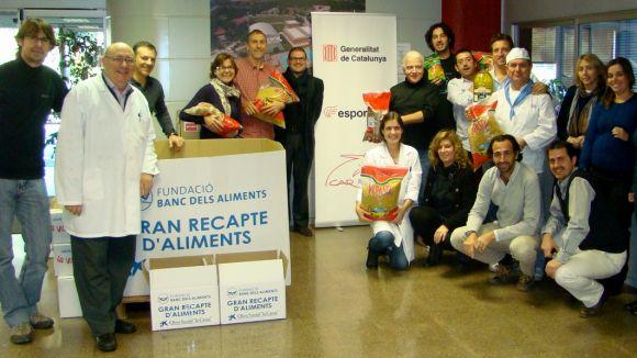 El CAR exercita la seva solidaritat recollint 900 quilos per al Gran Recapte