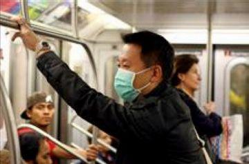Tres universitàries santcugatenques donen negatiu a la prova de grip nova en tornar de Mèxic