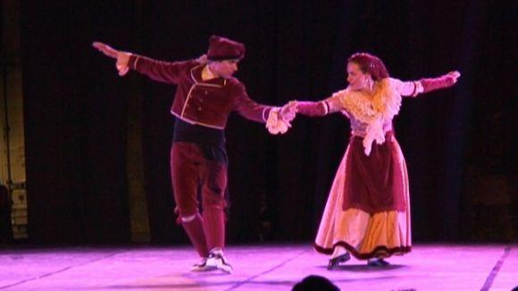 El Grup Mediterrània reuneix sobre l'escenari ballarins i exballarins