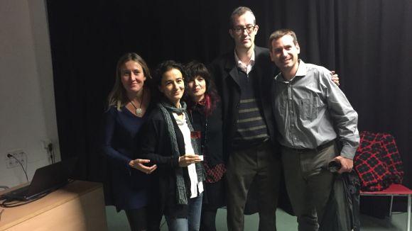 Eva Norverto, segona per l'esquerra, amb el premi al milor curt / Foto: Josep Amorós