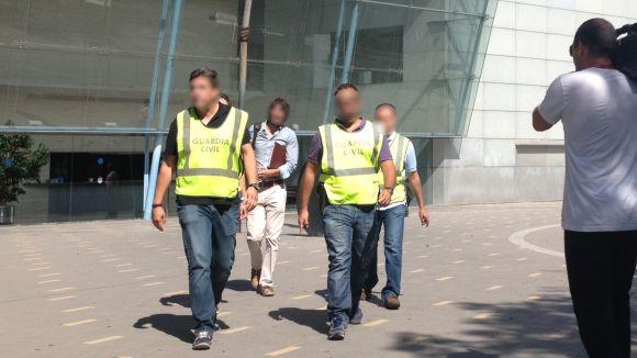 La Guàrdia Civil, a la seva sortida de Promusa