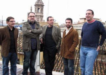 El periodista Mario Reyes rep el Premi Ramon Barnils per la seva investigació sobre el nazisme a València