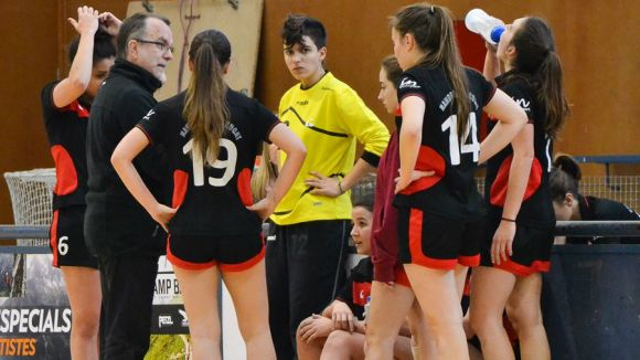 Jordi Martín donant indicacions a l'equip