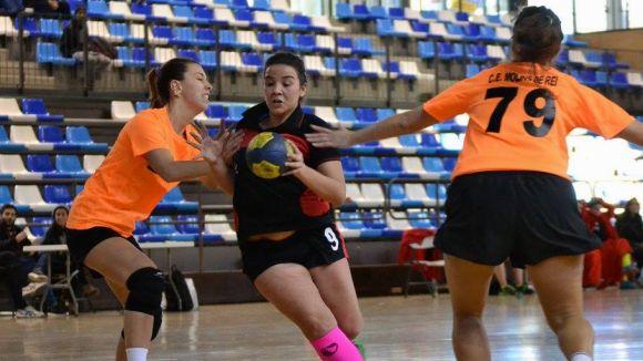 L'Handbol Sant Cugat femení, a un partit d'arribar a la final de la Copa Federació / Font: Davide Bonaccini
