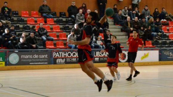 L'Handbol Sant Cugat confirma el seu bon moment empatant a Sant Joan Despí