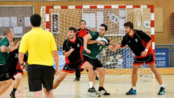 L'Handbol Sant Cugat guanya i segueix liderant la Lliga Catalana