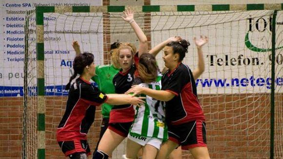 L'Handbol Sant Cugat obté un triomf clau contra un rival clau, l'OAR Gràcia B