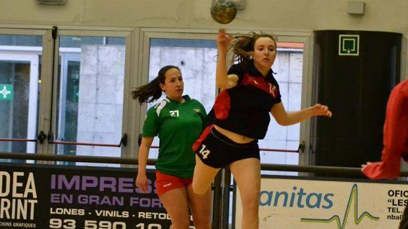 L'Handbol Sant Cugat femení no pot amb el Sant Quirze i suma una derrota més
