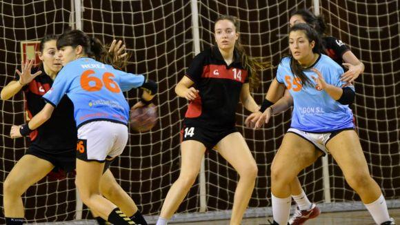 L'Handbol Sant Cugat femení no pot amb el líder intractable de la Copa Federació