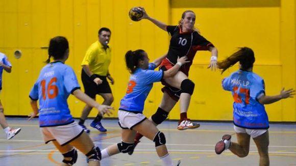L'Handbol Sant Cugat femení guanya i s'assegura la tercera plaça