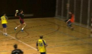 L'Handbol Sant Cugat ensopega amb el Sant Vicenç i es complica l'ascens de categoria