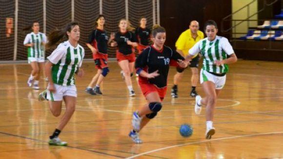 El femení de l'Handbol Sant Cugat suma una nova derrota a Sabadell