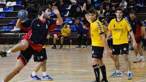 L'Handbol Sant Cugat torna a brillar en atac per superar el La Garriga