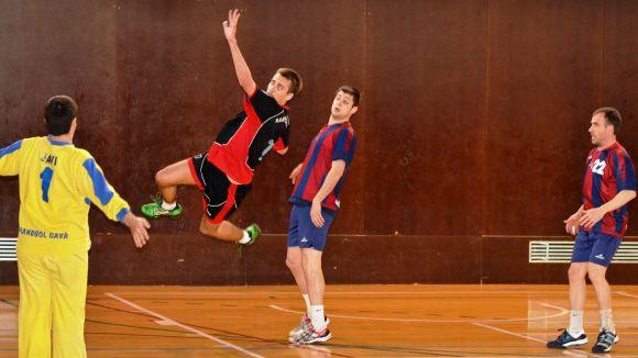 L'Handbol Sant Cugat brilla i goleja el poderós Gavà