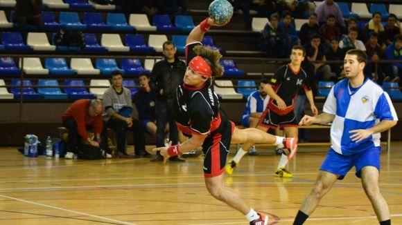 L'Handbol Sant Cugat guanya i segueix líder a Lliga Catalana