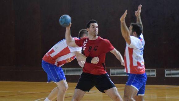 L'Handbol Sant Cugat cau en un partit ajustat a la pista del líder, el Sant Martí-Adrianenc