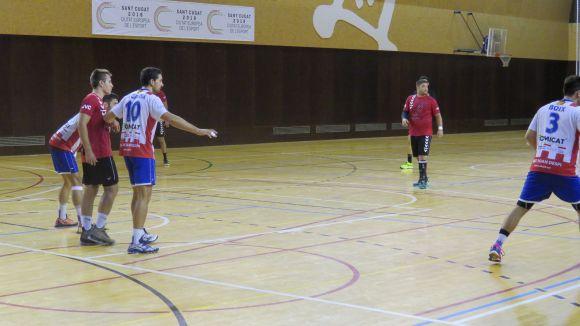 Handbol Sant Cugat i Sant Joan Despí han empatat en un matx elèctric