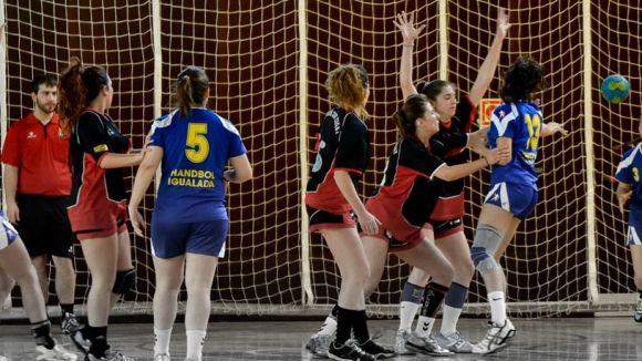 L'Handbol Sant Cugat femení es veu superat per un Sant Joan Despí superior
