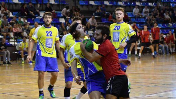 Oriol Cortés i els seus companys intentaran desfer-se del Palautordera / Font: Handbol Sant Cugat