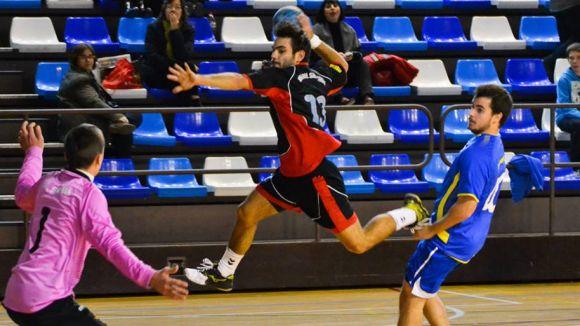 La regularitat de l'Handbol Sant Cugat el duu a la victòria davant el Sarrià