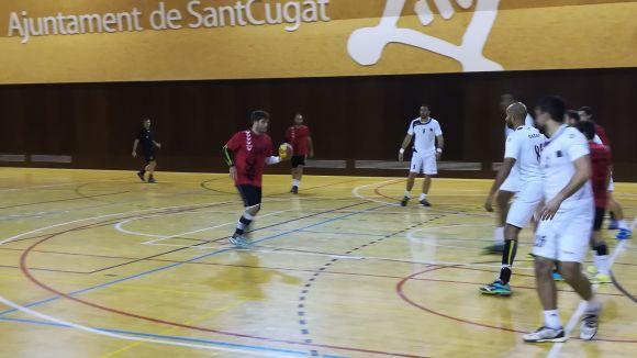 Imatge del partit entre l'Handbol Sant Cugat i la selecció del Qatar