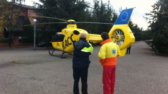 Aterra un helicòpter a l'entorn del Parc Central