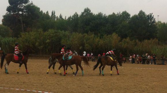 L'Hípica Can Caldés porta el horseball a la comarca