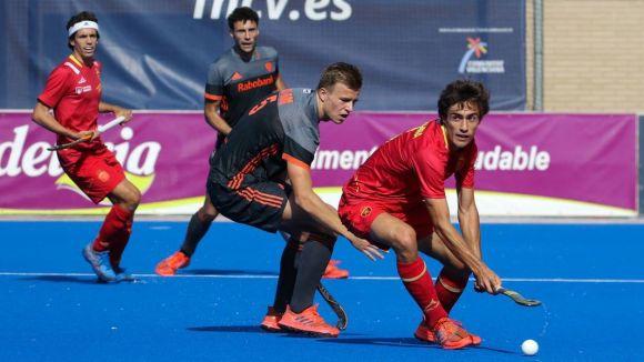Marc Serrahima conduint la pilota amb la selecció espanyola / Font: Fhcv.es