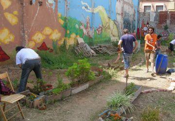 L'ASJC, La Guitza i l'Hort urbà del Migdia animen els santcugatencs a fer comunitat al carrer