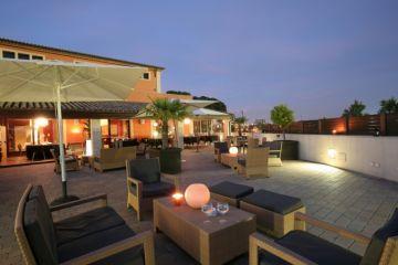 L'hotel Qgat organitza conferències per la lluita contra la violència a les dones