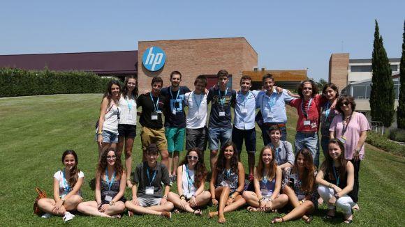 Visita dels millors alumnes de la selectivitat a la seu d'HP a Sant Cugat