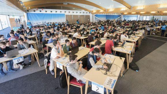 L'HP CodeWars reuneix a Sant Cugat més de 300 estudiants per competir en programació